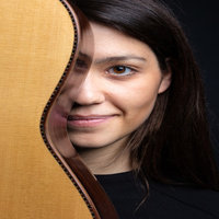 Classical Guitar lessons with professional musician in Brussels / Cours de guitare classique