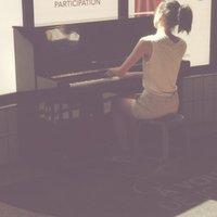 jane etudiante au koninklijk conservatorium van bruxelles donne cours de piano domicile. Black Bedroom Furniture Sets. Home Design Ideas