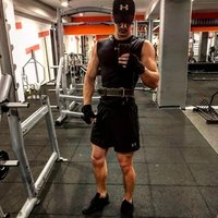 Expert in nutrition , bodybuilding and fitness , experience 5 years we can train in every gym , english is base .
