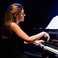 Learn a language by playing piano!  Spanish-English classes for beginners and children :)