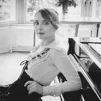 Piano lessons for all ages in Brussels by professional pianist and piano teacher