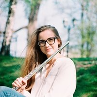 Professional flutist who gives flute lessons for any age and any level in Brussels at your home! I teach in English, Russian and Latvian :)